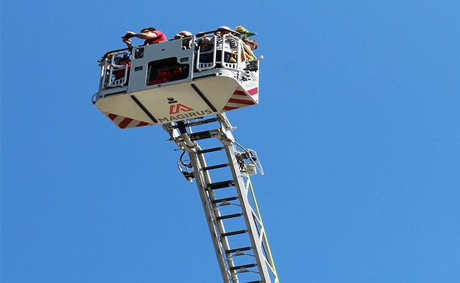 Een hele lange ladder